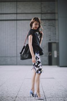 Japanese fashion inspiration from all over Asia Shibuya Style, Simple Style, Style Me, Floral Pencil Skirt, Girl Fashion, Womens Fashion, Japanese Fashion, Fashion Online, Feminine