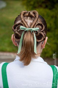 Three-Leaf Clover Flipped Ponytail  #StPatricksDay #StPattysDay #Hairstyles #Clover #Shamrock