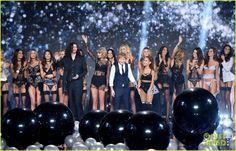 Taylor Swift & Ariana Grande Share Cutest Pics Ever Backstage at Victoria's Secret Fashion Show