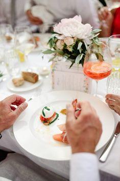 Destination Wedding - Mitä ottaa huomioon? Italy Wedding, Destination Wedding, Table Settings, Table Decorations, Home Decor, Homemade Home Decor, Interior Design, Destination Weddings, Place Settings
