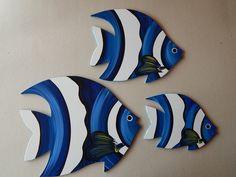 Trio de Peixes para parede, pintura em madeira.    Dimensões larg x comp x alt  P - 1 x 21 x 16  M- 1 x 29 x 23  G -1 x 34 x 28