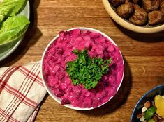 Vegansk rödbetssallad | Jävligt gott - vegetarisk mat och vegetariska recept för alla, lagad enkelt och jävligt gott.