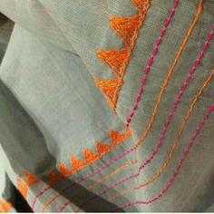 Embroidery On Kurtis, Kurti Embroidery Design, Embroidery Neck Designs, Hand Embroidery Videos, Hand Embroidery Flowers, Hand Work Embroidery, Embroidery Saree, Creative Embroidery, Japanese Embroidery