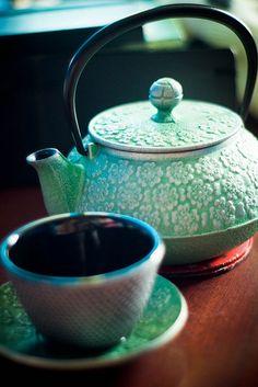 114 - Tip Me Over | Cast Iron Tea Set √