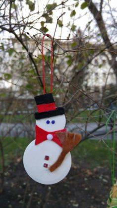 A lonely #Snowman is looking for cоzy new #home #decoration #button