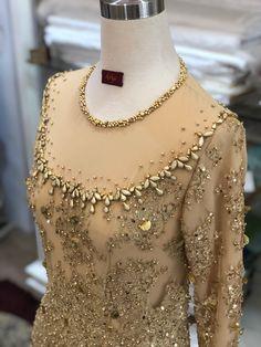 Kebaya Brokat, Kebaya Dress, Bead Embroidery Jewelry, Beaded Embroidery, Diy Fashion, Fashion Dresses, Womens Fashion, Hijab Prom Dress, Pakistani Fancy Dresses