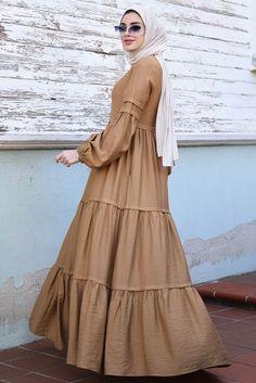 Modern Hijab Fashion, Street Hijab Fashion, Hijab Fashion Inspiration, Abaya Fashion, Modest Fashion, Women's Fashion Dresses, Dress Muslim Modern, Muslim Dress, Moslem Fashion