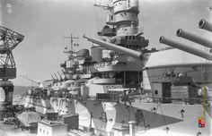 Italtian Battleship Roma - Littorio class battleship - Focusing on midships area (including front conning tower).