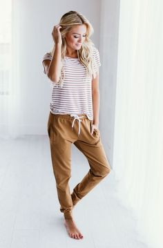 Look at the color of those trousers #fashion #womansfashion #fashionidea