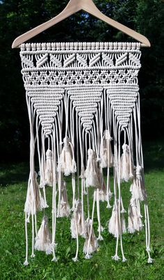 Macrame Wall Hanging Tutorial - Home Decor Ideas #DIYprojects #WallHanging #Macrame #Tutorial #HomeDecor #DIYideas