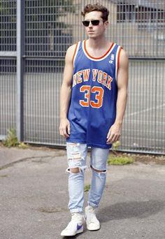 Vintage New York Knicks Patrick Ewing 33 Basketball Vest  £35