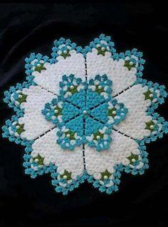 Vintage Crochet Doily Pattern, Crochet Doilies, Crochet Patterns, Rose Wallpaper, Filet Crochet, Crochet Designs, Diy And Crafts, Weaving, Blanket