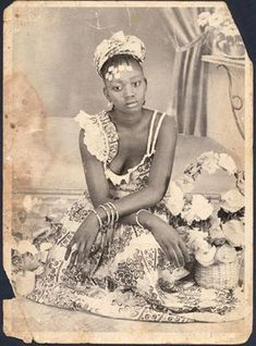 Lovely girl in a beautiful dress Vintage Black Glamour, Vintage Beauty, American Photo, African American Women, African Americans, Black History Facts, African Diaspora, African American History, African Beauty