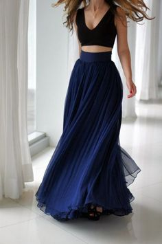 Women's fashion | Vaporous navy high waist maxi skirt and crop top | Just a Pretty Style