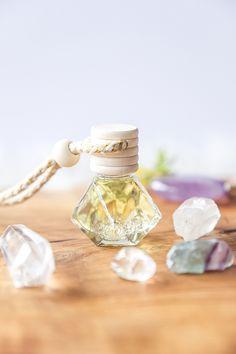 Krystalový aroma difuzér Štěstí a pohoda - Yoga Day Yoga Day, Perfume Bottles, Beauty, Perfume Bottle, Cosmetology
