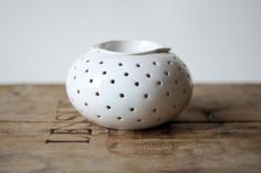 White (Dotted) Handmade Aromatherapy Diffuser by Oli's Cupboard Oil Diffuser, Aromatherapy Diffuser, Magic Crafts, Oil Warmer, Tea Candles, Oil Burners, Kit, Ceramic Design, Tea Light Holder