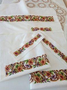 Floral Tie, Cross Stitch, Popular, Punto De Cruz, Dots, Needlepoint, Art, Seed Stitch, Cross Stitches