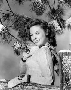susan hayward | 1940s | #vintage #1940s #christmas
