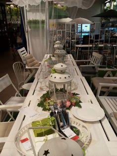 Tavola estive @ Ikea. Una tavola total white per pranzi e cene all'aperto! #Consiglidicasa #ikea #tavolaestiva #vivere #pranzo #cena