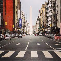 fotosdebuenosaires:  Microcentro #avenidacorrientes #downtown #buenosaires #argentina #locallens #instagramers #picoftheday #igersbsas #instaarg #fotodeldia #fotosdebuenosaires #loves_buenosaires (en Maipu Y Corrientes)