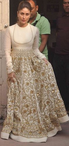 kareena kapoor in long anarkali suit