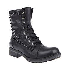 LADILUCK BLACK LEATHER women's boot flat casual - Steve Madden. Bunu çok begendim mesela.