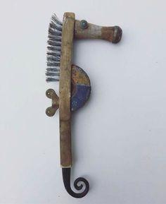 """Seahorse"" brush"