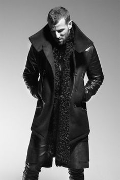hot man with a beard...check  oversized scarf...check  peacoat i would run over an old woman with my car to get...check