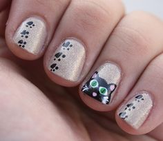 love the side paw prints (no kitty - puppies!!!!)