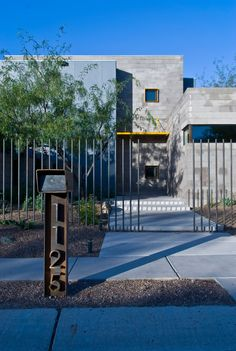, Contemporary Exterior With Modern Rusty Metal Mailbox Post Ideas Also Modern Fence Design And Concrete Ground Also Gray Bricks House Design: Adorable Mailbox Designs for Your House Mais Modern Mailbox, Metal Mailbox, Mailbox Post, Metal Fence, Rusty Metal, Brick Building, Building Design, Grey Brick Houses, Brick House Designs