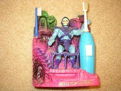 Skeletor & Snake mountain toothbrush holder