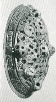 bronze tortoise brooch from Birka, Grave 605