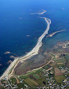 A quelques encablures des plages, venez vous ressourcez à Pleubian, village breton situé à l'extrémité de la presqu'ile de Lezardrieux.