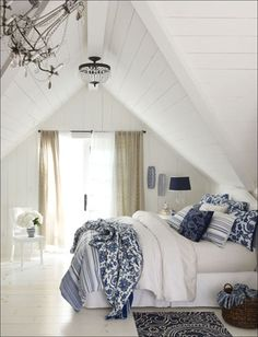 blue and white decor | Adding blue and white colors and patterns to a living…
