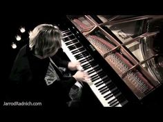 I am so fascinated by this guy!  Jarrod Radnich - Incredible Piano Solo - Harry Potter - YouTube