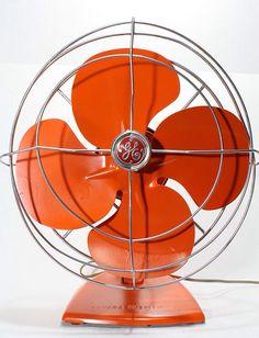 Refurished Vintage Retro General Electric Fan by FishboneDeco. An orange fan. Jaune Orange, Orange Yellow, Orange Color, Orange Oil, Burnt Orange, Orange Shades, Orange Poppy, Orange Zest, Vintage Fans
