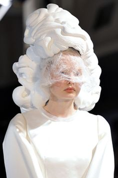 Comme des Garçons Spring 2012 Ready-to-Wear Collection on Style.com