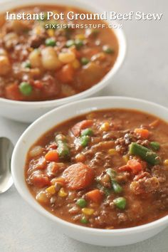 Instant Pot Ground Beef and Vegetable Stew is classic comfort food! It's thick and hearty, making it a family favorite dinner. Veg Soup, Vegetable Stew, Veggie Recipes, Soup Recipes, Healthy Recipes, Cat Recipes, Dinner Recipes, Slow Cooker Beef, Slow Cooker Recipes