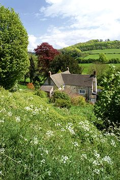 Laurie Lee's childhood homes, Rosebank, Slad, Gloucestershire. Credit: cotswolds Photo Library/Alamy