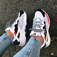 Air Max Sneakers, White Shoes Outfit Sneakers, Dad Sneakers, Cute Shoes Heels, Chanel Sneakers, Cute Sneakers, Sneakers Fashion, Sock Shoes, Casual Shoes