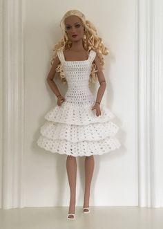 TUTO robe 3 volants effet dentelle pour poupées mannequins de 40cm - Robert Tonner