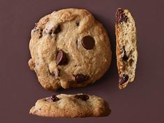 Bake up a batch of these perfect Crispy-Cakey Chocolate Chip Cookies next time you're craving something sweet!