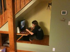 Awesome 42 Charming Reading Nook Design Ideas Under The Stairs. Attic Stairs Pull Down, Desk Under Stairs, Interior Stair Railing, Wrought Iron Stair Railing, Luz Natural, Reading Nook Kids, Basement Steps, Tiny House Stairs, Office Nook