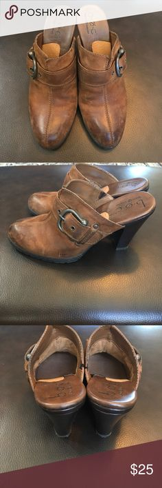 Born Concept b.o.c. Distressed Leather Mule Clog Excellent preowned condition. Distressed leather upper with buckle accessory. Manmade heel. Rubber sole. Great, lived in look. Works well with your long jeans. Born Shoes Mules & Clogs