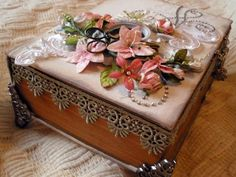altered book box by aussiescrapsource