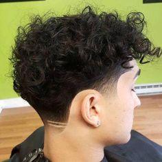 51 Popular Haircuts For Men in 2020 Mens Hairstyles Haircuts & Colors Ideas Curly Undercut, Messy Curly Hair, Curly Hair Cuts, Curly Hair Styles, Messy Curls, Medium Undercut, Men Undercut, Hair Ponytail, Frizzy Hair