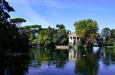 Travelling on a budget?  10 Free Things to Do in Rome, Italy that won't break your piggy bank. #Rome #Italy http://www.amoretravelguides.com/blog/rome-italy-ten-free-things-to-do-in-rome.php