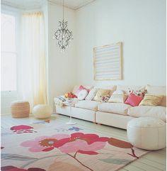 Love this girly fresh living room! LOVE IT!!!! <3