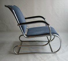 Fauteuil PS 55 ontwerp Paul Schuitema voor D3.    Prachtige originele fauteuil uit de jaren 30, zeer zeldzaam!  Frame: verchroomd met gebruikssporen.  Bekleding: velours blauw, in goede staat.