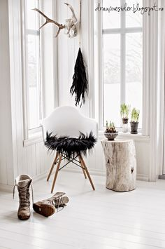 Makes my heart beat extra strong! I`m doing a makeover upst. Interior Styling, Interior Decorating, Interior Design, Eames, Nature Decor, Scandinavian Interior, Rustic Interiors, Decoration, Home And Living
